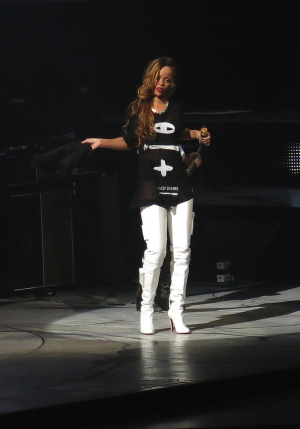 "Rihanna Launches Her ""Diamonds World Tour"""
